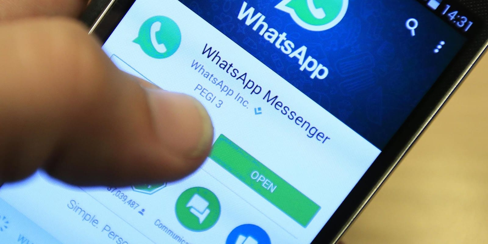 WhatsApp Coloured Text Status Now Rolling Out to Android and iPhone