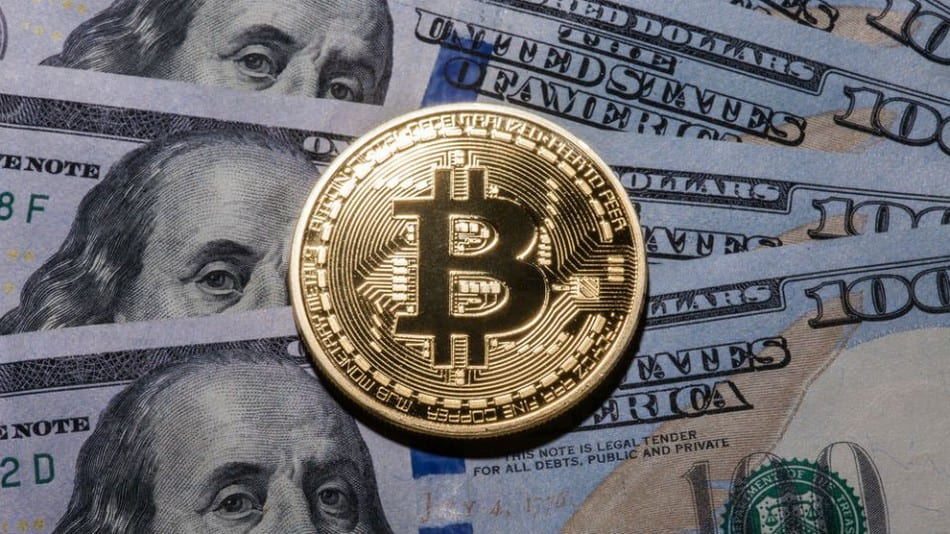 Bitcoin surges above $15000 to new high