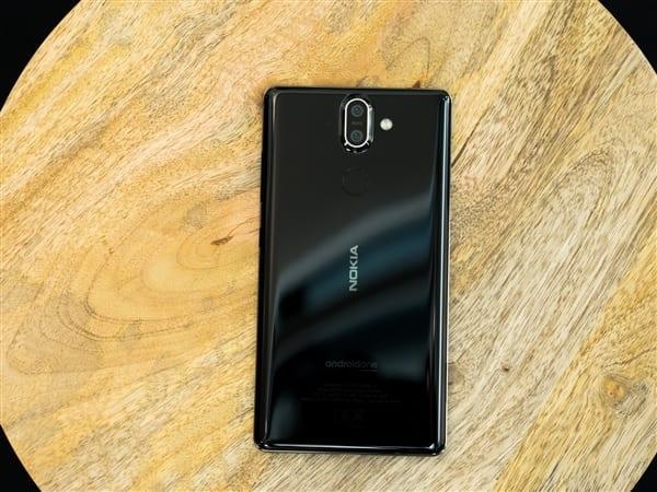 Nokia goes 'bananas' with new retro phone