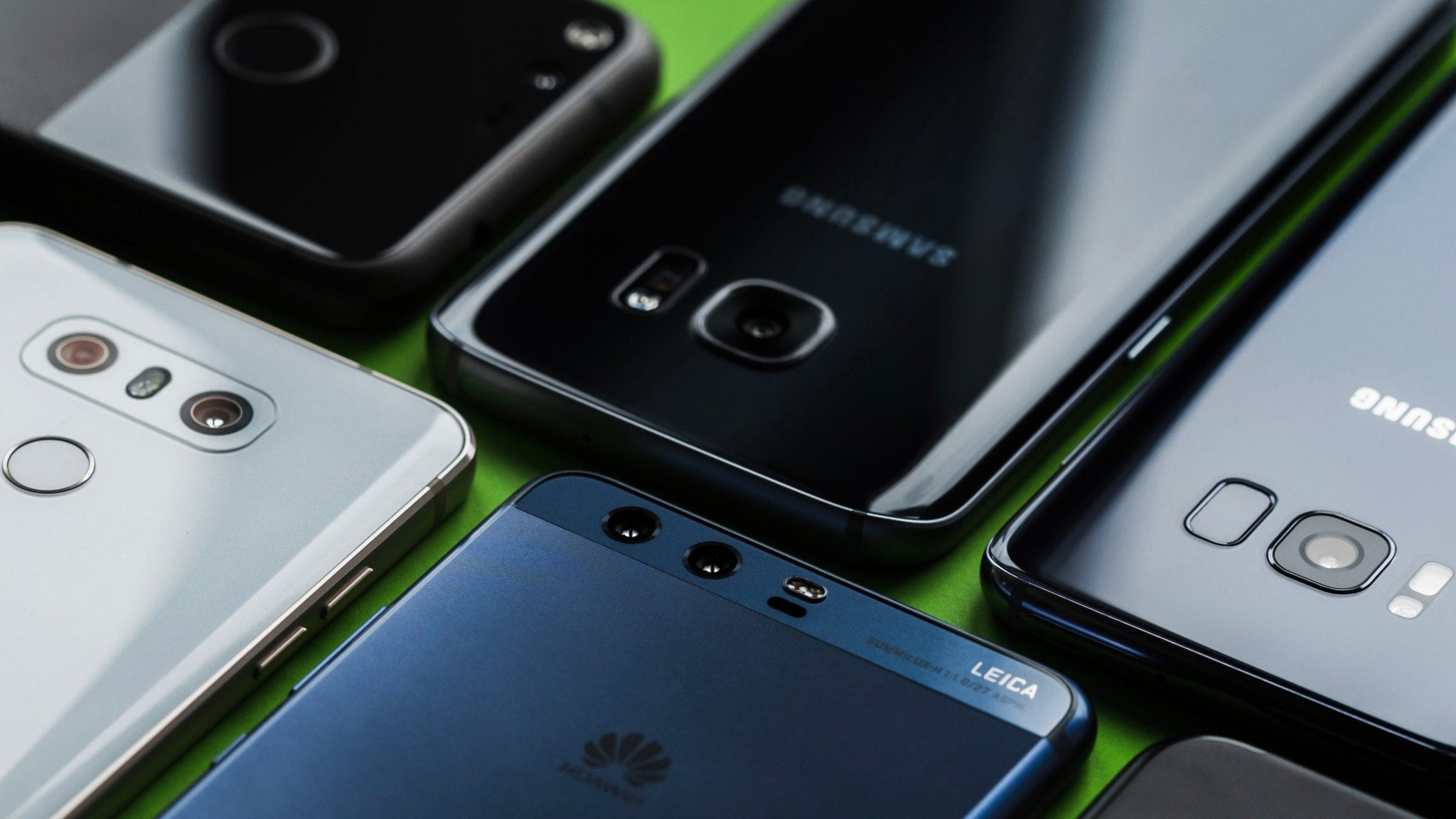 Smartphone sales decline for first time as Huawei gains on Apple