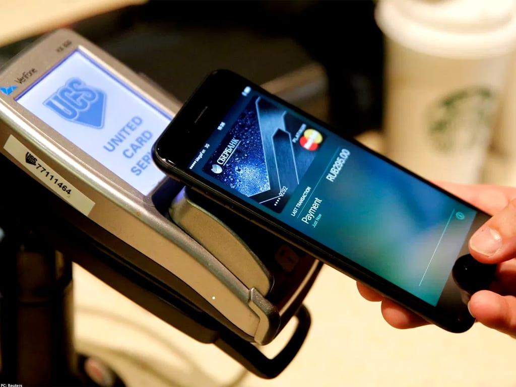 Apple to pick Goldman to issue reward credit card