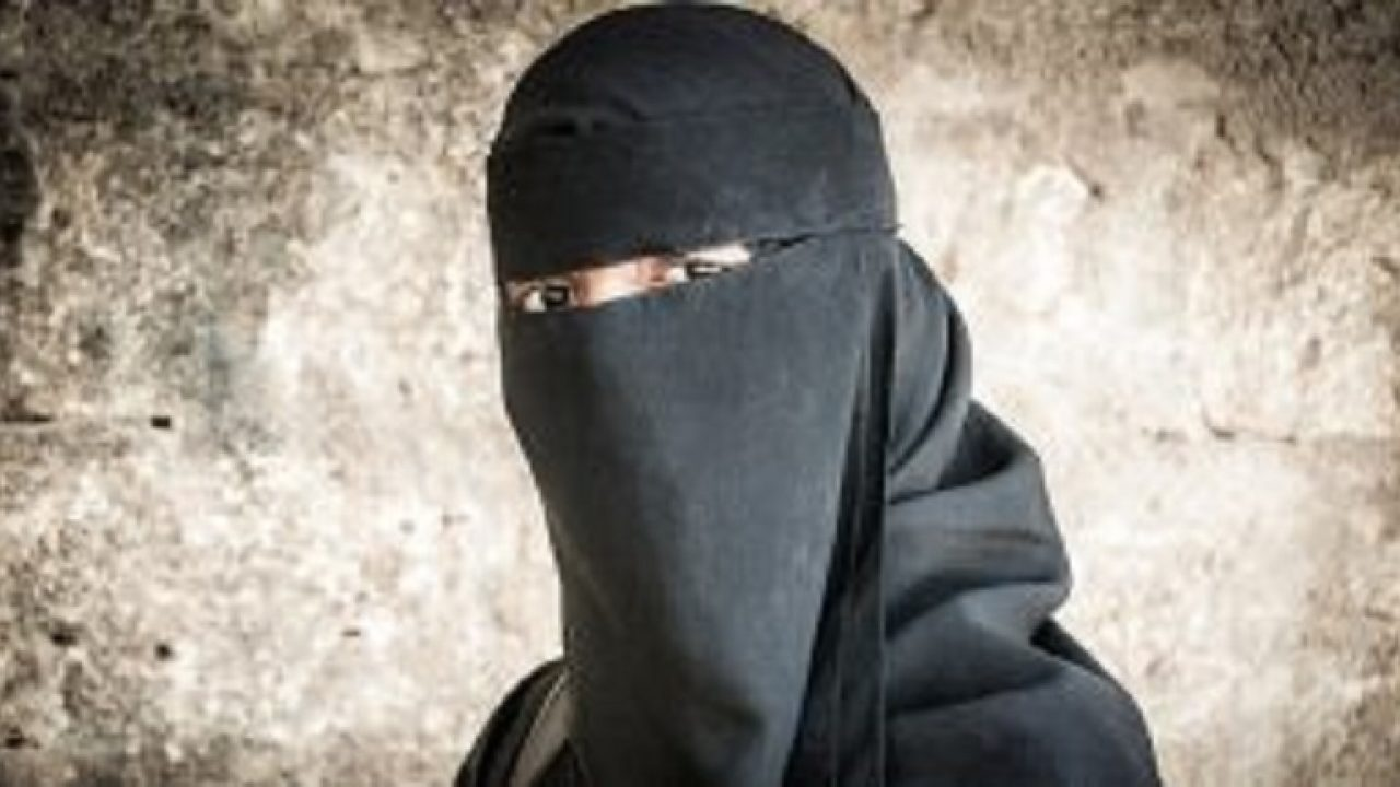Man wearing a Burqa Caught in DHQ Hospital, Rawalpindi – RS-NEWS