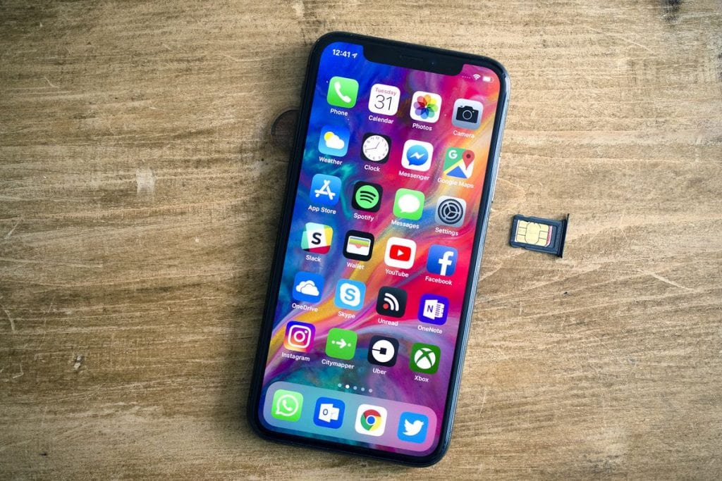 support dual SIM cards