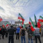 Iran closes down web access amid growing protests