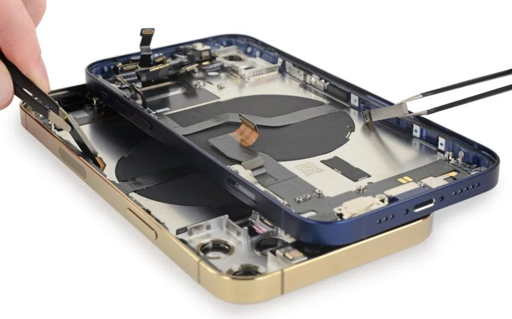 iPhone 12 compotents