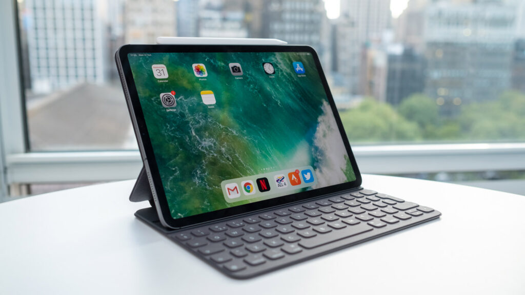 Apple 12.9 inch iPad Pro 2021