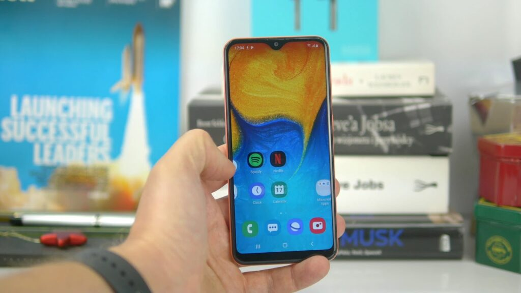 Samsung Galaxy A20e - Now Getting the Android 11 Update in Europe