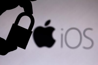 Apple iOS 14.8 Protecting from Hackers